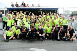 Second position Daniel Ricciardo, Red Bull Racing and third position Max Verstappen, Red Bull Racing celebrate with the team