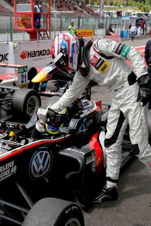George Russell, HitechGP, Dallara F312 - Mercedes-Benz congratulating Joel Eriksson, Motopark, Dalla
