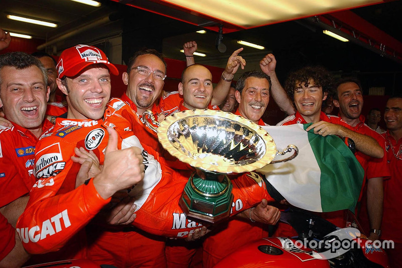 Ganador de la carrera Loris Capirossi, Ducati