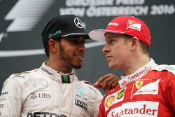 Lewis Hamilton, Mercedes AMG F1 sur le podium