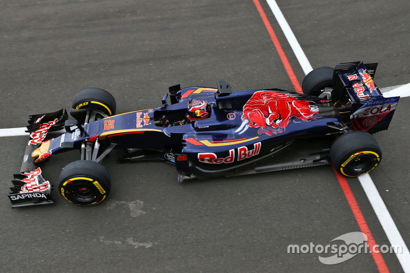 2016 год: первая тренировка, Даниил Квят на Scuderia Toro Rosso STR11