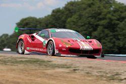 #63 Scuderia Corsa Ferrari 488 GT3: Christina Nielsen, Alessandro Balzan, Jeff Segal