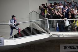 Jorge Lorenzo, Movistar Yamaha MotoGP, Yamaha, fête sa deuxième place avec du champagne