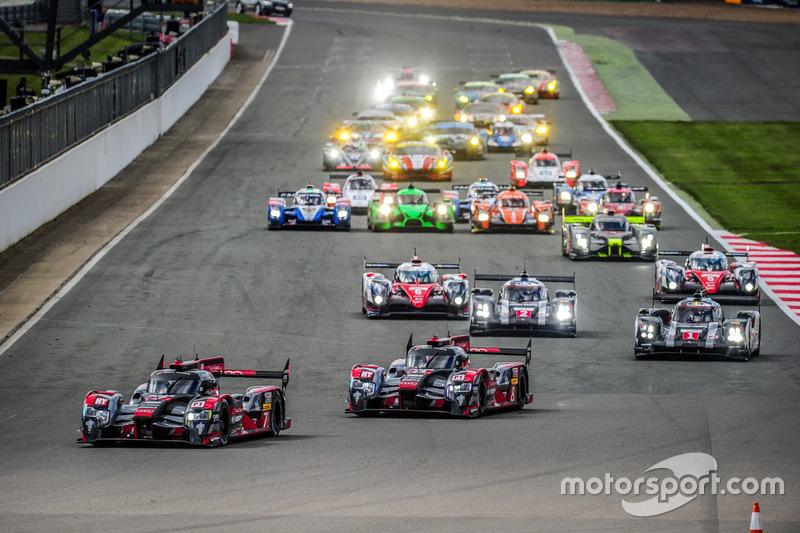 Start: #7 Audi Sport Team Joest Audi R18: Marcel Fässler, Andre Lotterer, Benoit Tréluyer leads