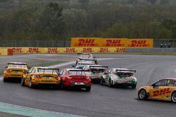 Arrancada, Hugo Valente, LADA Sport Rosneft, Lada Vesta; José María López, Citroën World Touring Car