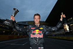 Daniil Kvyat, Red Bull Racing celebrates his third place