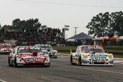 Esteban Guerrieri driving Matias Rossi, Donto Racing Chevrolet, Marcelo Agrelo driving Juan Pablo Gianini, JPG Racing Ford