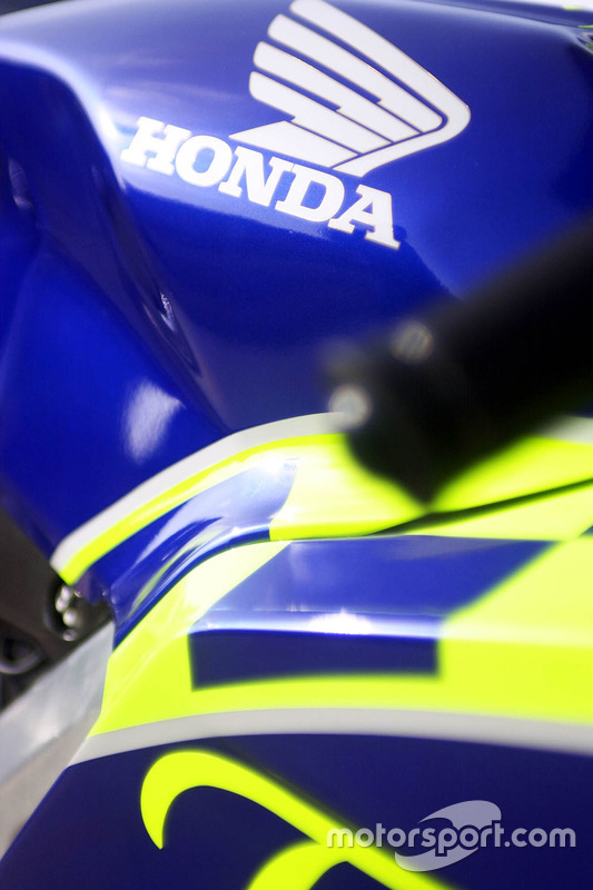 Honda RC211V detail