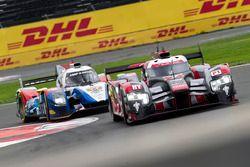 #7 Audi Sport Team Joest Audi R18: Marcel Fässler, Andre Lotterer, Benoit Tréluyer; #37 SMP Racing B