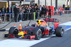 Pierre Gasly, pilote d'essais Red Bull Racing RB12 avec des capteurs