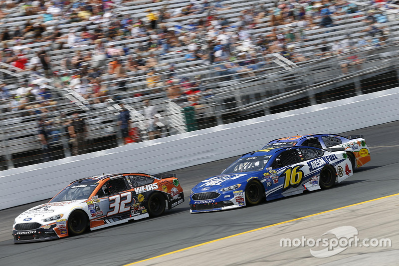 Greg Biffle, Roush Fenway Racing Ford, Eddie MacDonald, Go Green Racing Ford