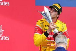 Podio: il secondo classificato Antonio Giovinazzi, Prema Racing
