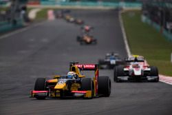 Antonio Giovinazzi, PREMA Racing devance Sergey Sirotkin, ART Grand Prix