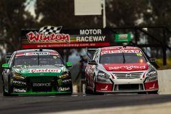 Cameron Waters, Prodrive Racing Australia Ford, und Rick Kelly, Nissan Motorsports