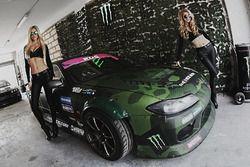 Промо-девушки Black Monster Energy