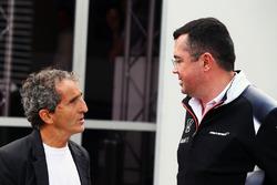 Alain Prost et Eric Boullier, directeur de la compétition McLaren