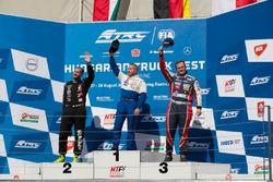 Podium: Race winner Jochen Hahn, MAN; second place Norbert Kiss, Mercedes-Benz; third place Adam Lacko, Freightliner