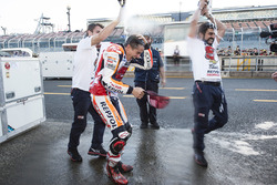 Ganador, Marc Márquez, Repsol Honda Team celebra con su equipo
