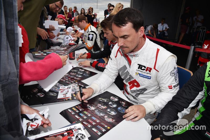 Séance d'autographes, Norbert Michelisz, M1RA, Honda Civic TCR