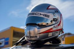 Romain Dumas helmet