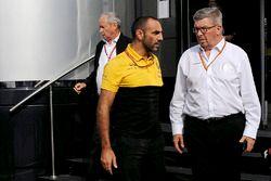 Jerome Stoll, Renault-Vorstand, Cyril Abiteboul, Renault-F1-Geschäftsführer, Ross Brawn, Formel-1-Mo