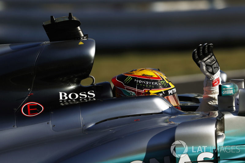 Il vincitore della gara Lewis Hamilton, Mercedes AMG F1 W08