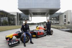 Daniel Ricciardo and David Coulthard, Red Bull RB7 at the ExxonMobil headquarters