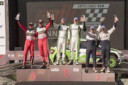Podium WRC2 : les vainqueurs Esapekka Lappi, Janne Ferm, Skoda Fabia R5, les 2e Nicholas Fuchs, Fernando Mussano, les 3e Hubert Ptaszek, Maciek Szczepaniak