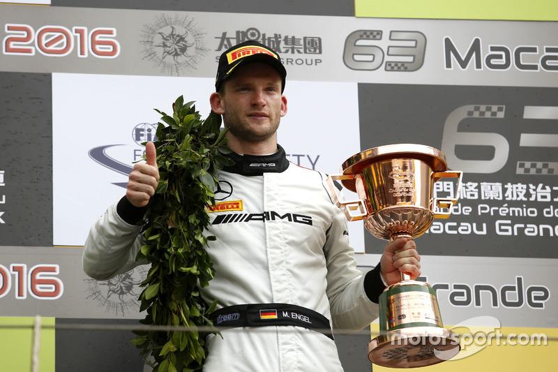 Podio: tercer lugar Renger van der Zande, Mercedes-AMG Driving Academy Mercedes-AMG GT3