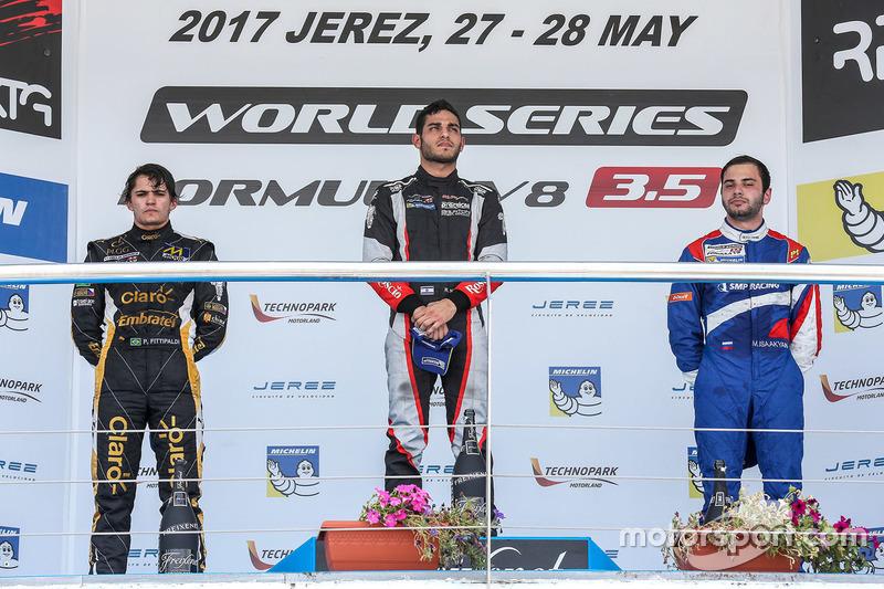 Podium : le vainqueur Roy Nissany, RP Motorsport, le deuxième Pietro Fittipaldi, Lotus, le troisième Matevos Isaakyan, SMP Racing