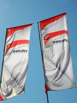 Bandera del equipo Ducati