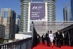 Президент Азербайджана Ильхам Алиев и его окружение