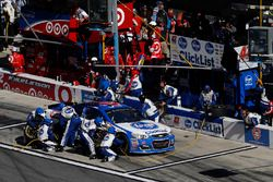 A.J. Allmendinger, JTG Daugherty Racing Chevrolet, pit stop