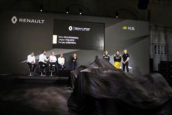 Bob Bell, Renault Sport F1 Team director técnico con Cyril Abiteboul, Renault Sport F1 Gerente; Jérô