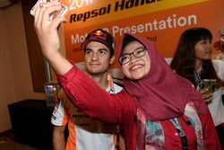 Dani Pedrosa, Repsol Honda Team with fan