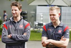 Romain Grosjean, Haas F1 Team, et Kevin Magnussen, Haas F1 Team