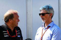 Заместитель руководителя Sahara Force India F1 Роберт Фернли и ведущий телеканала Sky Sports Дэймон