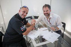 Frédéric Corminboeuf, Team Manager du CGBM Evolution and Jens Hainbach, le vice-président de KTM Motorsport
