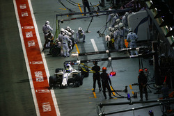 Felipe Massa, Williams FW40 leaves the pits