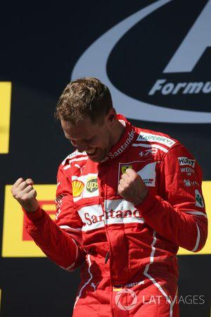 Podium: racewinnaar Sebastian Vettel, Ferrari