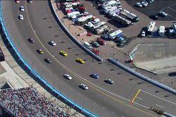 Jimmie Johnson, Hendrick Motorsports Chevrolet llega antes que el auto insignia