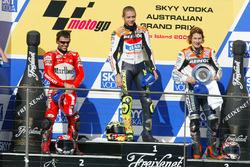 Podium: race winner Valentino Rossi, Repsol Honda Team, second place Loris Capirossi, Ducati Team, t
