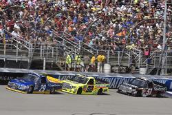 Chase Briscoe, Brad Keselowski Racing Ford, Matt Crafton, ThorSport Racing Toyota, Kyle Busch, Kyle