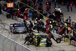 Boxenstopps: Matt Crafton, ThorSport Racing Toyota, Kyle Busch, Kyle Busch Motorsports Toyota