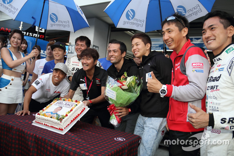 Joao Paolo de Oliveira 100th race celebration