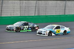Chris Buescher, JTG Daugherty Racing Chevrolet, Michael McDowell, Leavine Family Racing Chevrolet