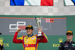 Podium: race winner Giuliano Alesi, Trident