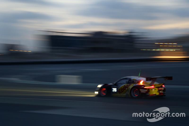 #76 Imsa Performance Porsche 991 GT3 R: Raymond Narac, Thierry Cornac, Maxime Jousse, Mathieu Jamine