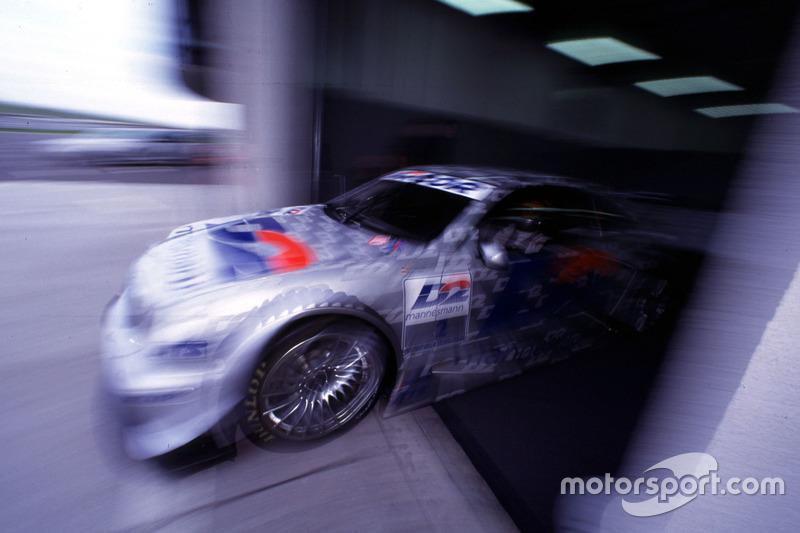 После трехгодичного перерыва – в 2000-м – серия DTM была перезапущена в Германии. Бернд Шнайдер не потерял форму, выиграв шесть гонок, а Клаус Людвиг стал третьим. Пилоты Mercedes победили в половине гонок сезона с шестью дублями