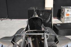 Mercedes AMG F1 W08, cofano motore con shark fin aperta